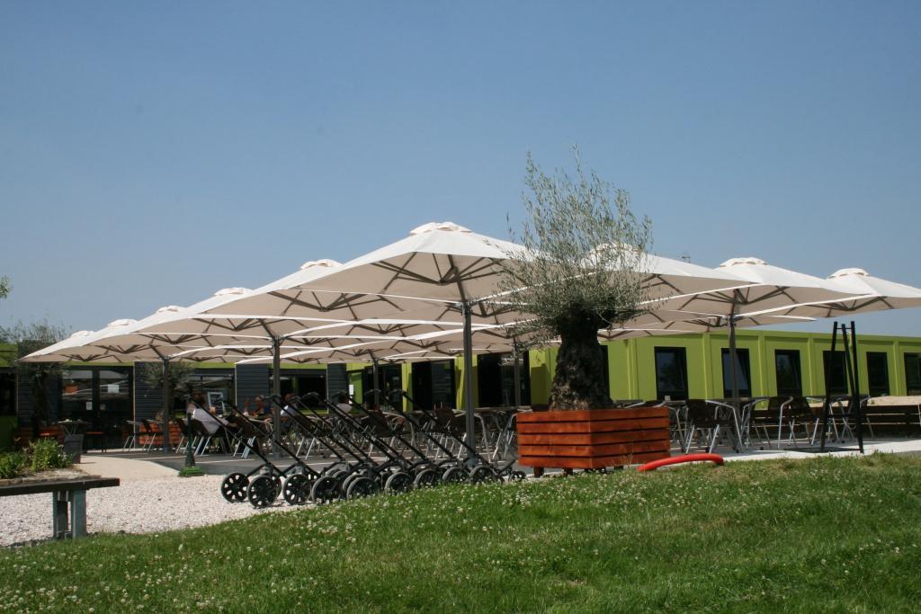 parasol d port g ant 1 m t 4 toiles prostor p6. Black Bedroom Furniture Sets. Home Design Ideas