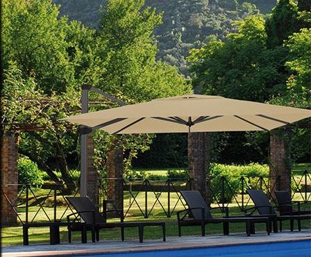 parasol plage de piscine mat déporté excentré