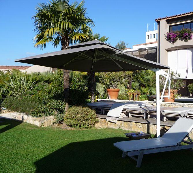 parasol d cor d 39 honfleur parasol mat excentr rectangulaire avec lambrequin. Black Bedroom Furniture Sets. Home Design Ideas