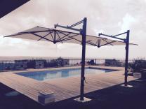 Parasols mât excentré terrasse Galileo Dark SCOLARO