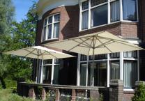 patio-parasols-ecru-bordes.jpg