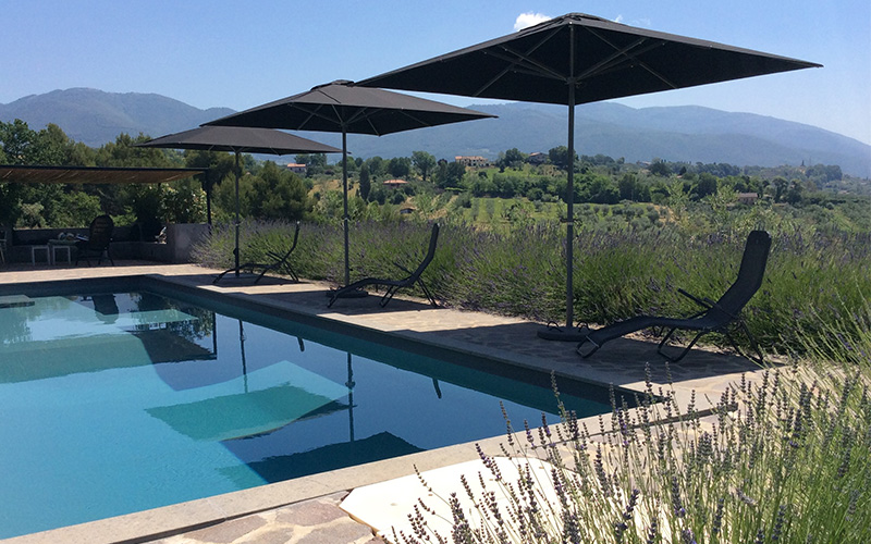 patio-parasols-300x300-swimming-pool.jpg