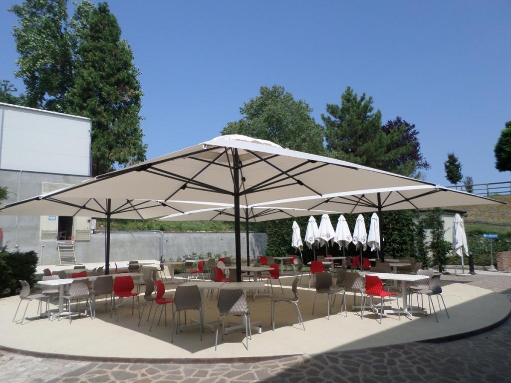 Grand parasol capri pour terrasse et piscine en alu 5x5m - Grand parasol de terrasse ...
