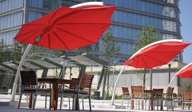 Parasol luxe terrasse hotel Icarus UMBROSA